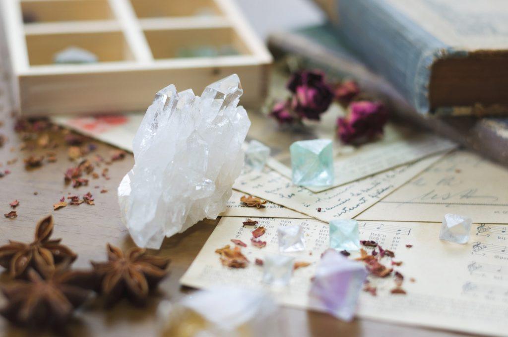 3/2コラボセミナー「自分で作れる天然石ブレスレットと陽転思考体験ワーク」開催